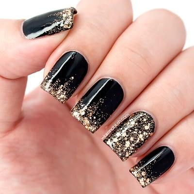 gold-glitter-nails-2