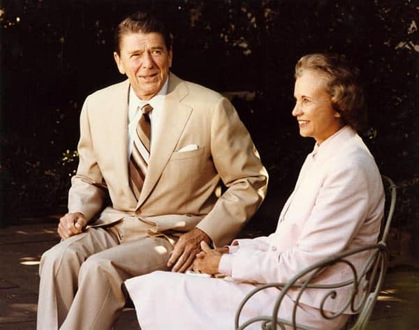 Then Supreme Court Justice-nominee Sandra Day O'Connor talking with then President Ronald Reagan in 1981. White House Photographic Office / Wikimedia Commons.