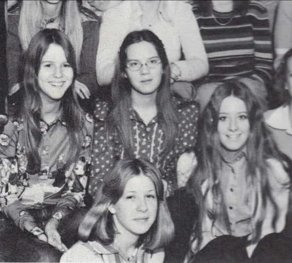 Females at school during the 70s. Reddit.
