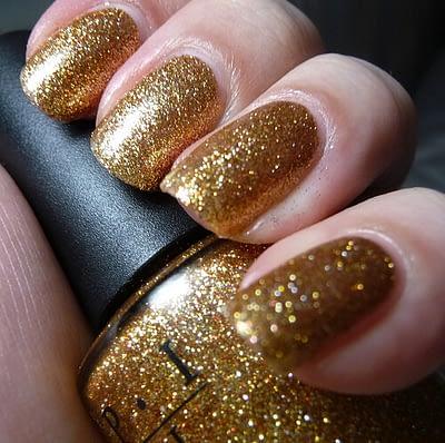gold-glitter-nails-3
